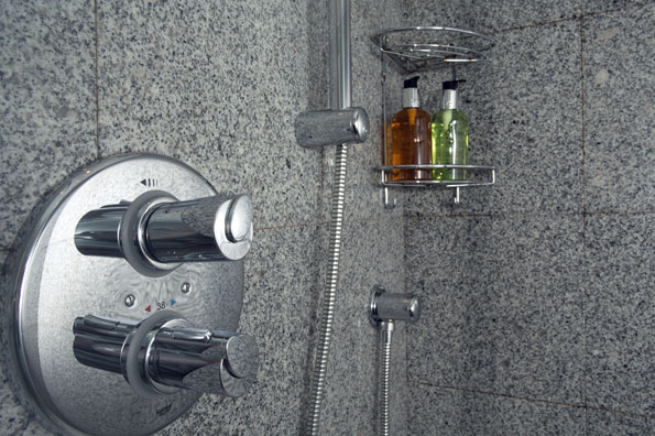 Power Shower & Luxury Tolietries