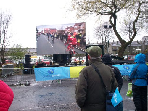 Giant Screen showing the complete race in Greenfoot Festival Site