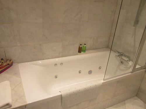 Pippin Bath 004