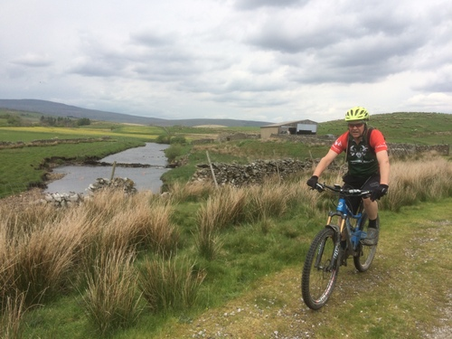 Pennine Bridleway with River Ribble